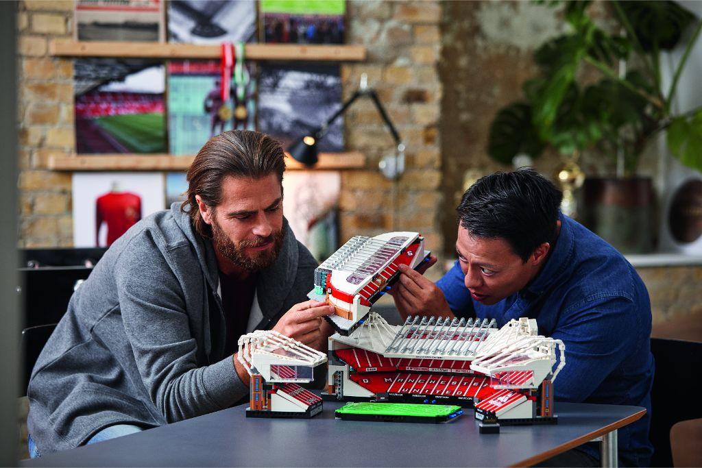 LEGO Creator Expert 10272 Old Trafford Manchester United 41