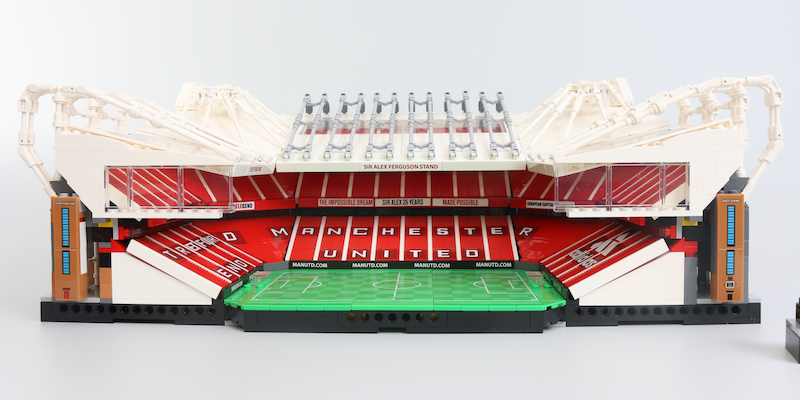 LEGO Creator Expert 10272 Old Trafford Manchester United Review 11