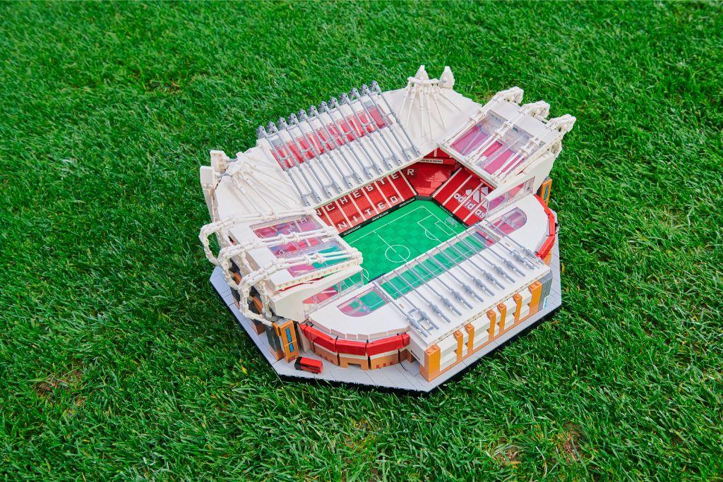 LEGO Creator Expert 10272 Old Trafford Manchester United Stadium 6