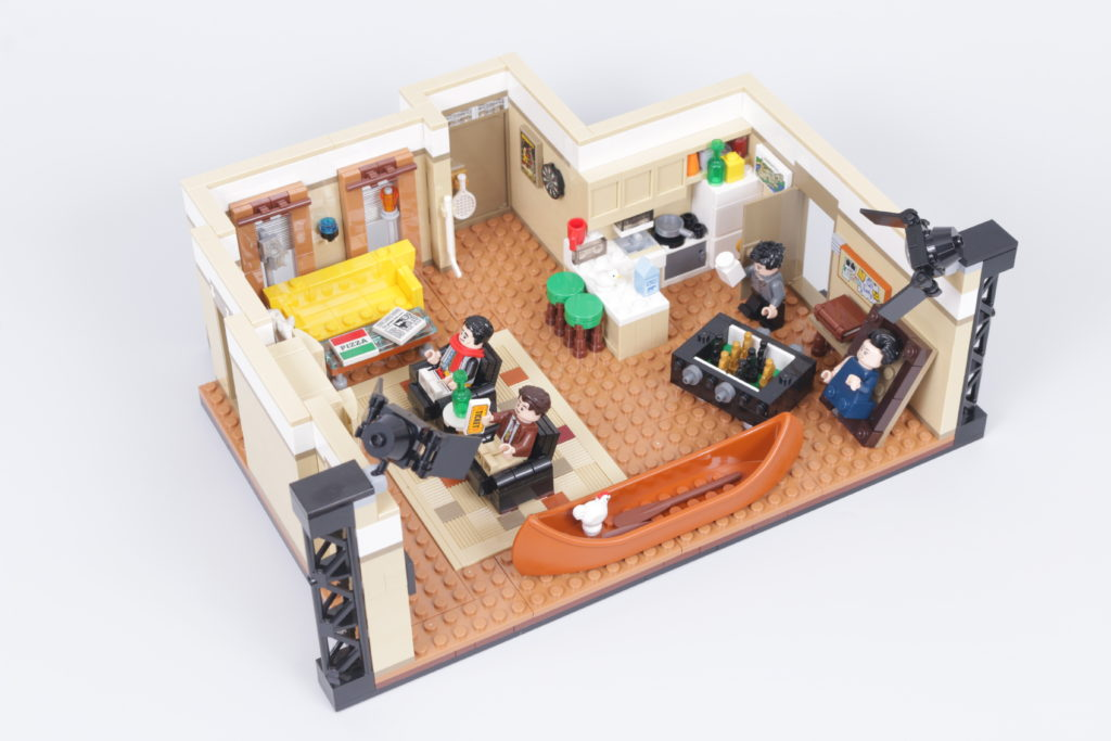 LEGO Creator Expert 10292 Friends Apartments review 11