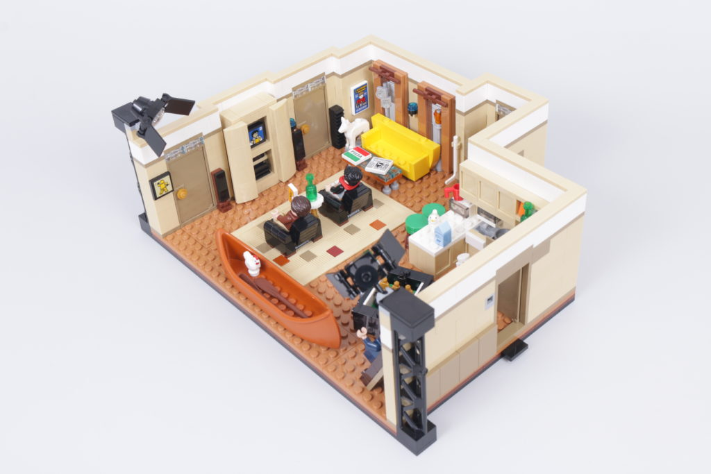 LEGO Creator Expert 10292 Friends Apartments review 12