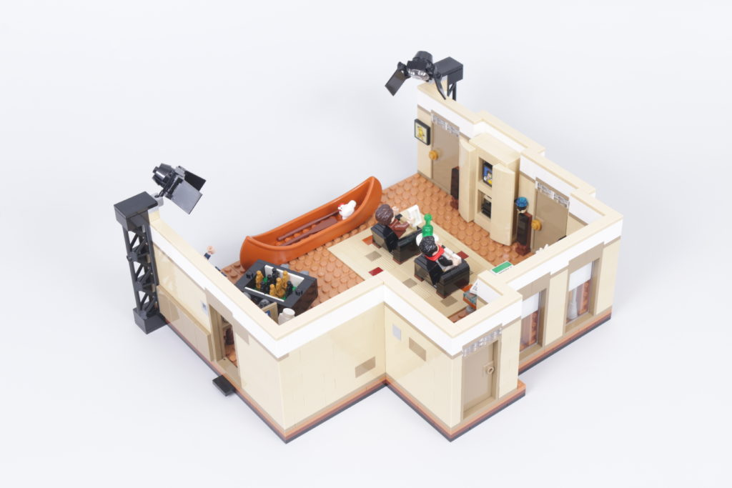 LEGO Creator Expert 10292 Friends Apartments review 13
