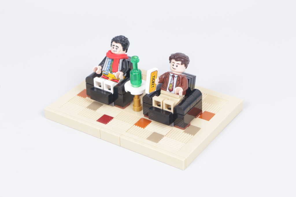 LEGO Creator Expert 10292 Friends Apartments review 15