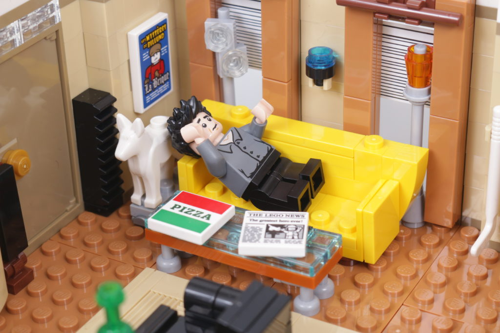 LEGO Creator Expert 10292 Friends Apartments review 20