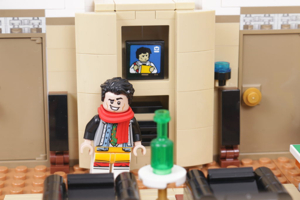 LEGO Creator Expert 10292 Friends Apartments review 24