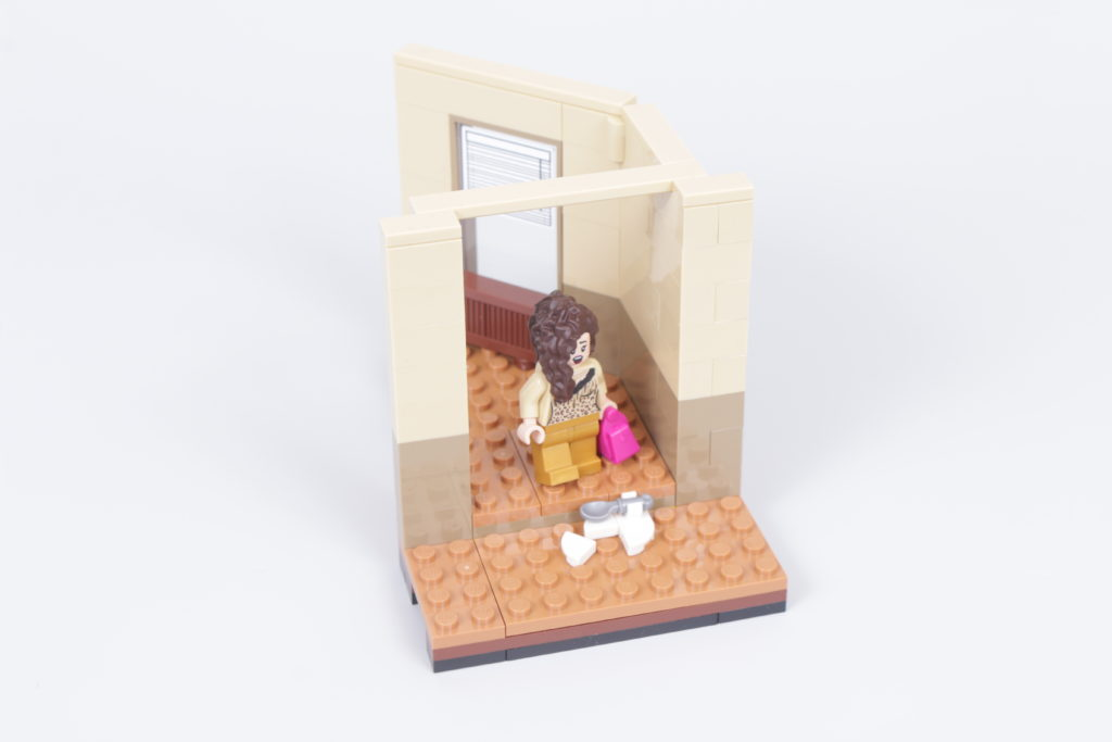 LEGO Creator Expert 10292 Friends Apartments review 30