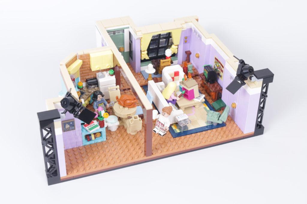 LEGO Creator Expert 10292 Friends Apartments review 32i