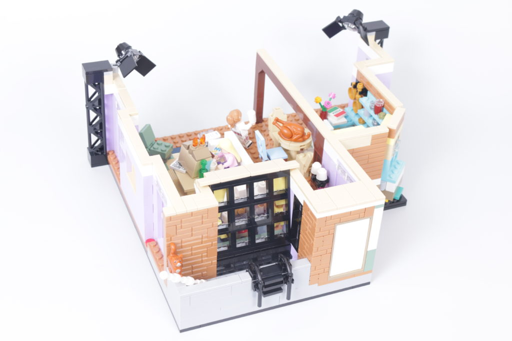 LEGO Creator Expert 10292 Friends Apartments review 34