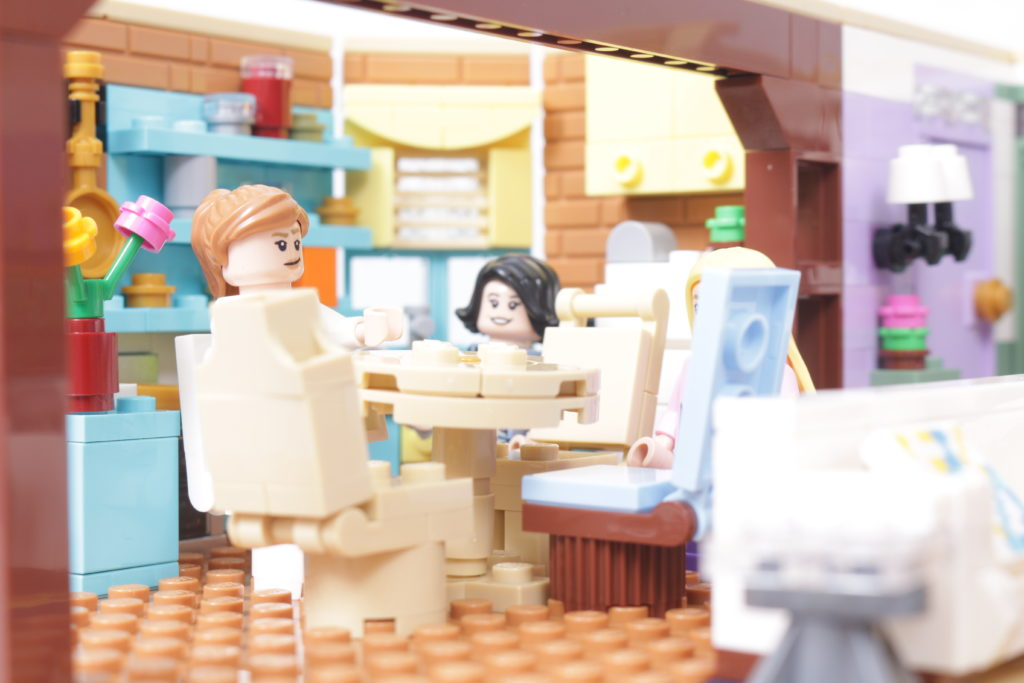 LEGO Creator Expert 10292 Friends Apartments review 48