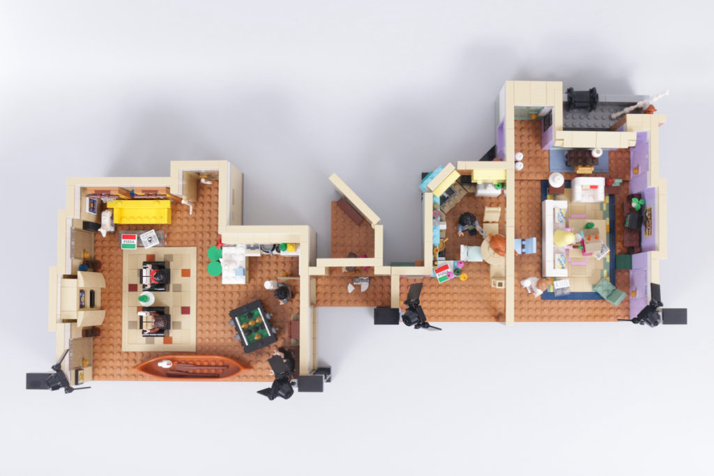 LEGO Creator Expert 10292 Friends Apartments review 6