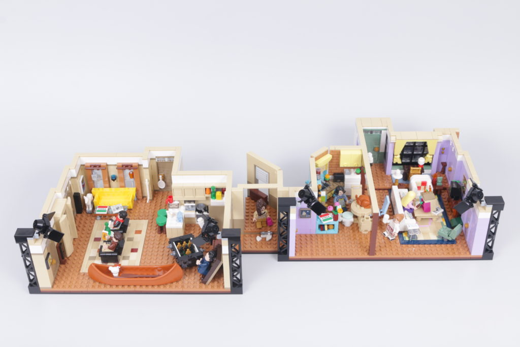 LEGO Creator Expert 10292 Friends Apartments review 9