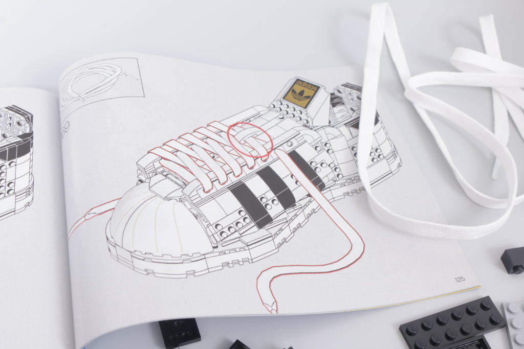LEGO Creator Expert 18 plus 10282 Adidas Superstar review 33