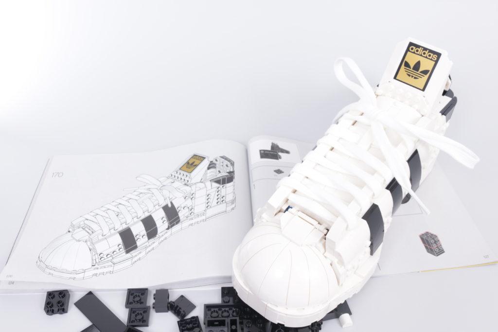 LEGO Creator Expert 18 plus 10282 Adidas Superstar review 35