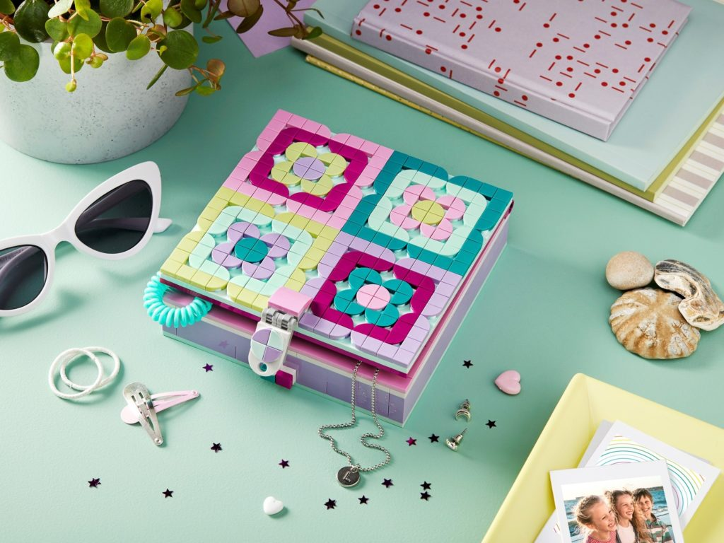 LEGO DOTS 41915 Jewelry Box 3
