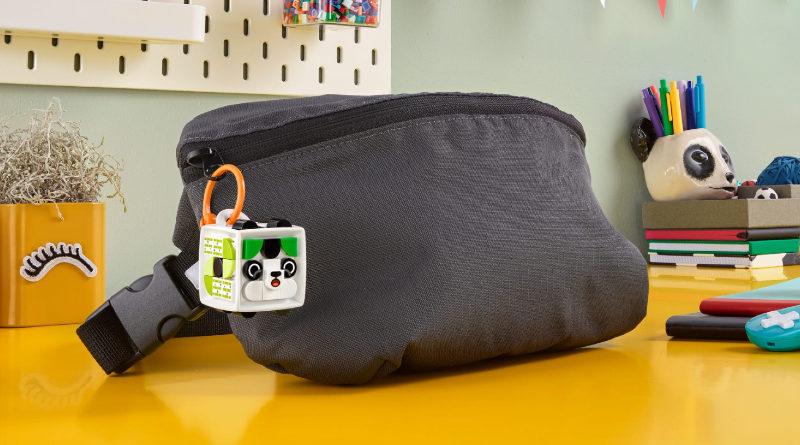 LEGO DOTS 41930 Bag Tag Panda lifestyle featured