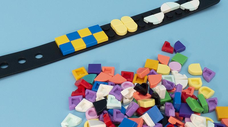 LEGO DOTS Bracelet featured 800 445