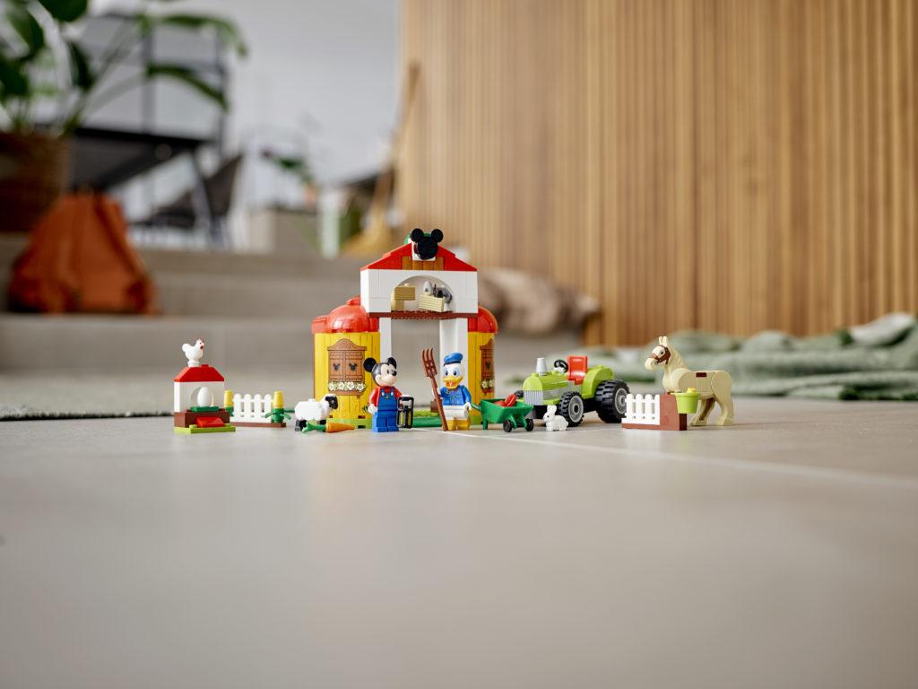 LEGO Disney 10775 Mickey Mouse Donald Ducks Farm 4