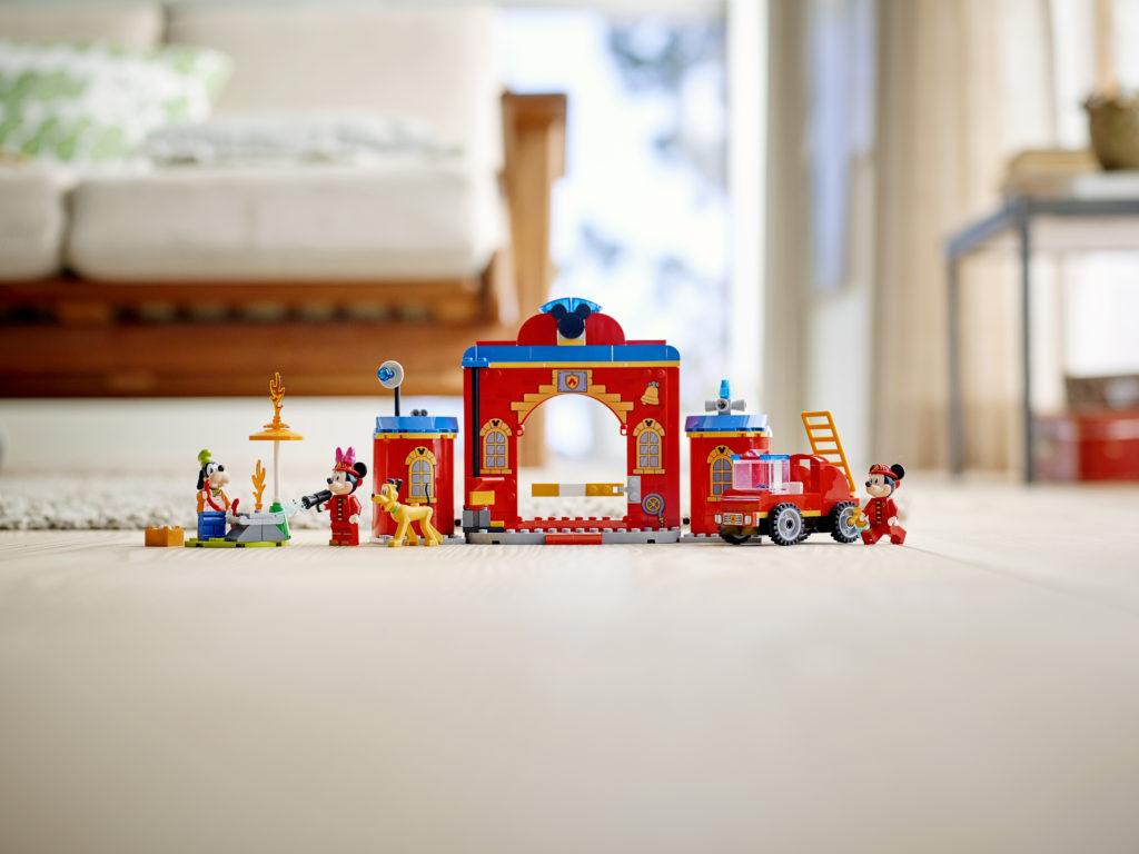 LEGO Disney 10776 Mickey Friends Fire Truck Station 4