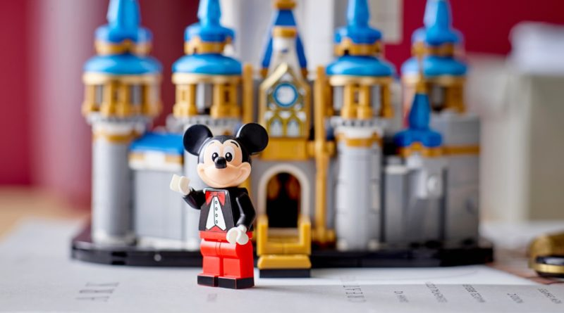 LEGO Disney 40478 Mini Disney Castle featured 2