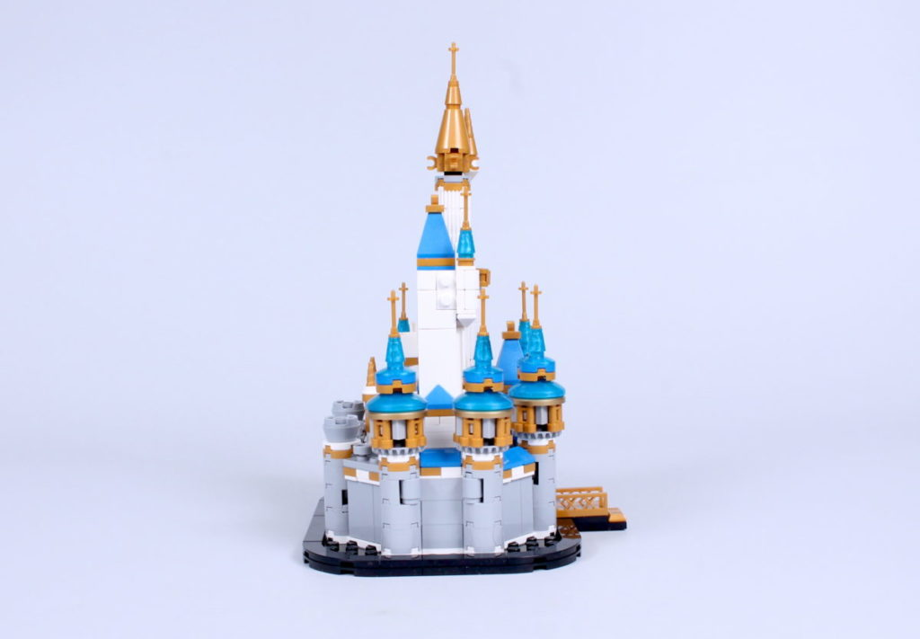 LEGO Disney 40478 Mini Disney Castle review 10