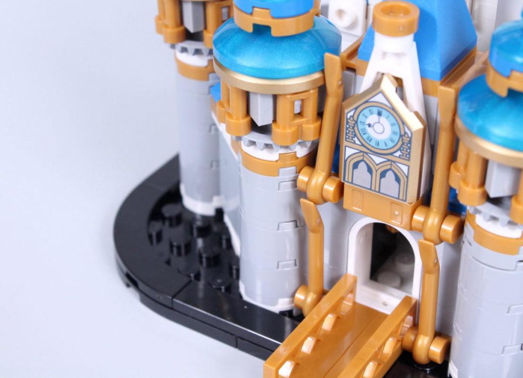 LEGO Disney 40478 Mini Disney Castle review 21