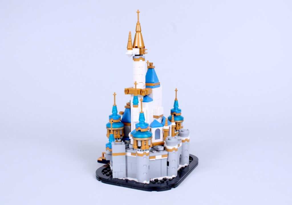 LEGO Disney 40478 Mini Disney Castle review 6