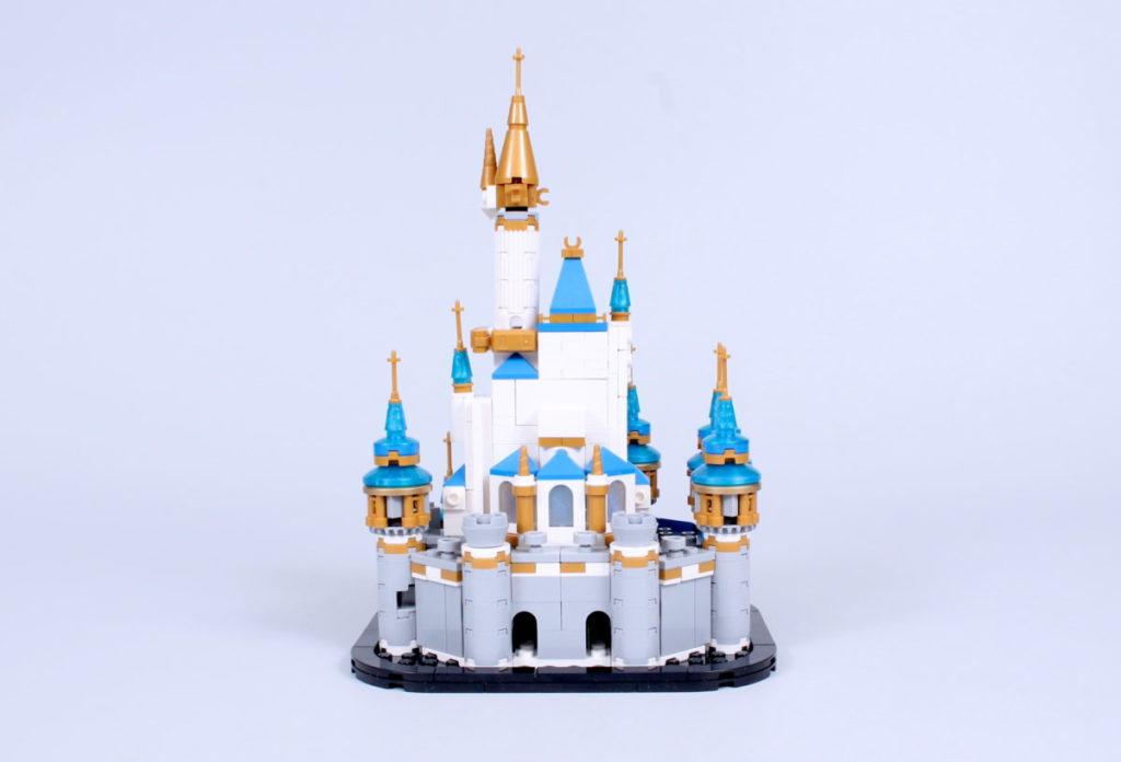 LEGO Disney 40478 Mini Disney Castle review 8