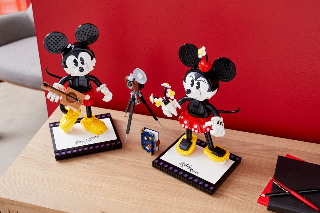 LEGO Disney 43179 Mickey Mouse and Minnie Mouse Buildable Characters 42