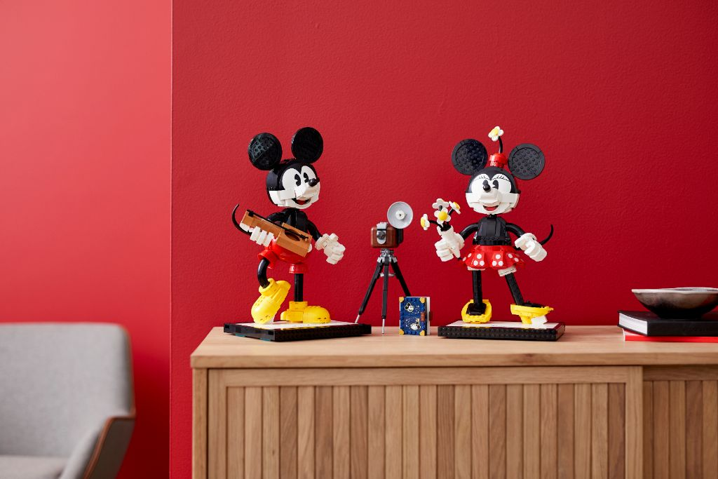 LEGO Disney 43179 Mickey Mouse and Minnie Mouse Buildable Characters 47