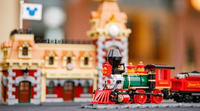LEGO Disney 71044 Disney Train and Station featured 1