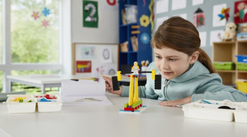 LEGO Education BricQ Motion Featured