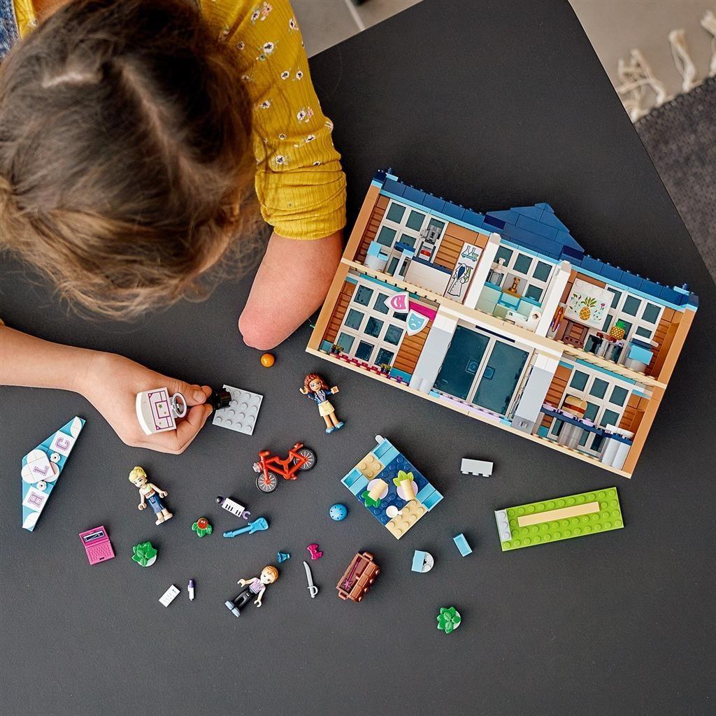 LEGO FRIENDS 41682 HEARTLAKE CITY SCHOOL 3 1024x1024