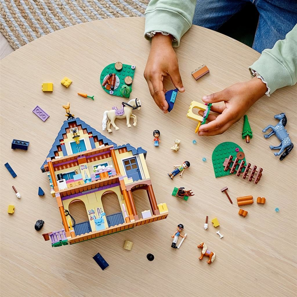 LEGO FRIENDS 41683 FOREST HORSEBACK RIDING CENTER 3 1024x1024