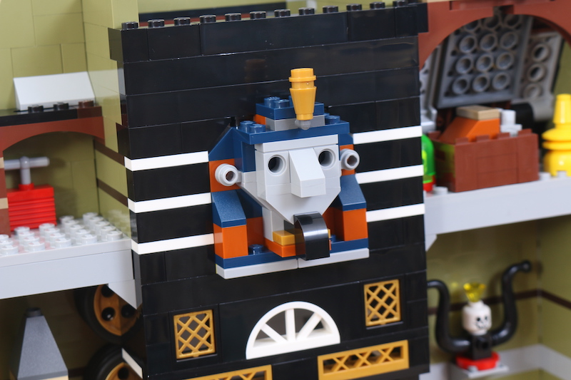 LEGO Fairground Collection 10273 Haunted House Review 11 1