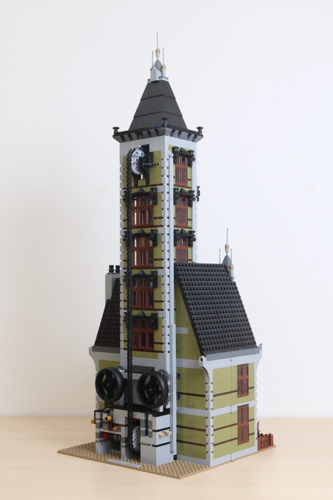LEGO Fairground Collection 10273 Haunted House Review 27