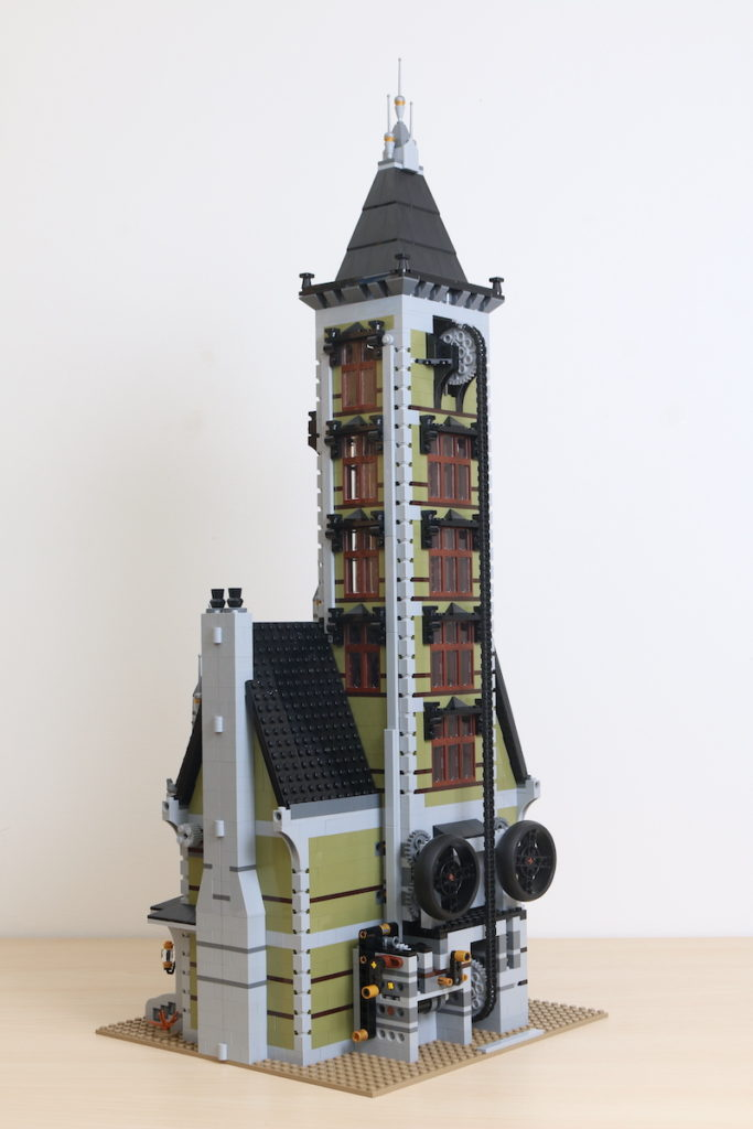 LEGO Fairground Collection 10273 Haunted House Review 28