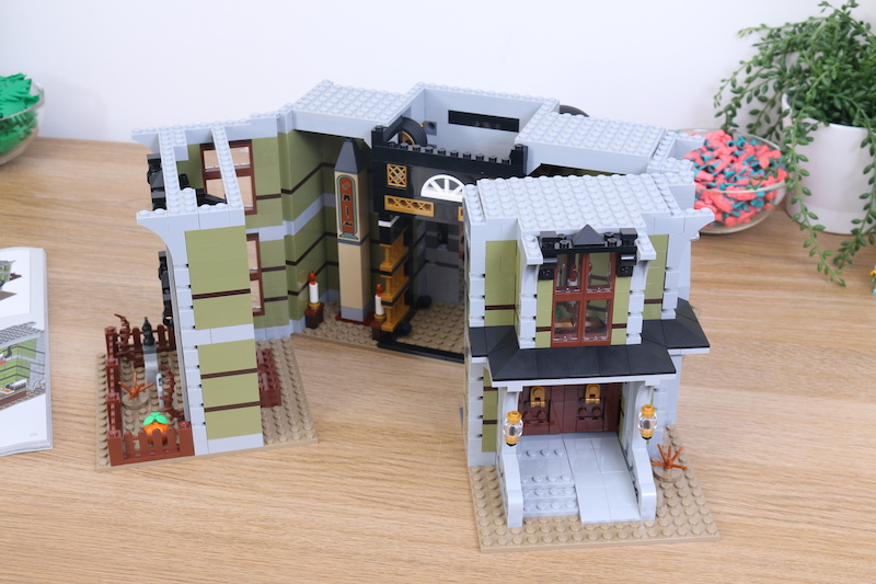LEGO Fairground Collection 10273 Haunted House Review 6