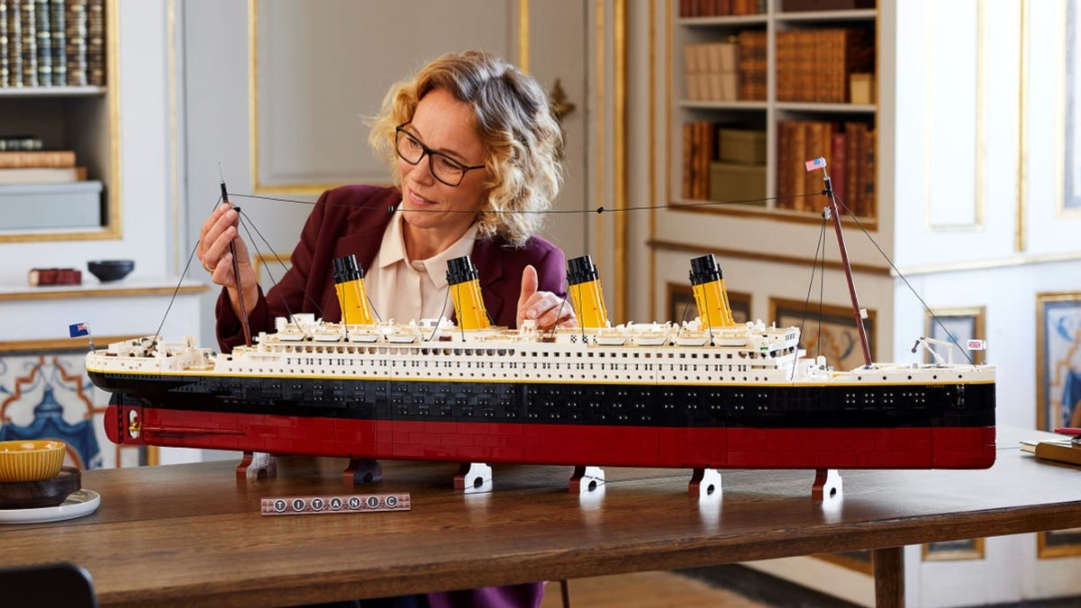 The biggest LEGO sets of all time – October 2021