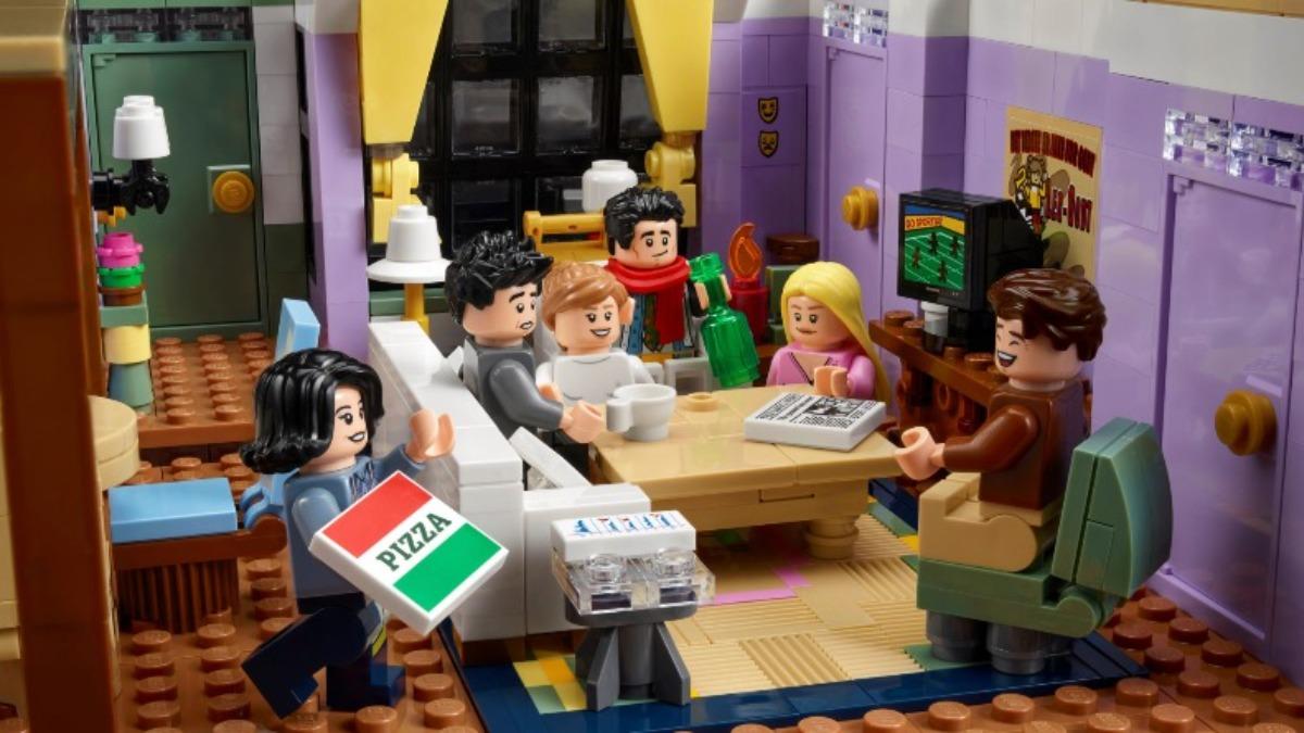 LEGO Friends 10292 Friends Apartments 1