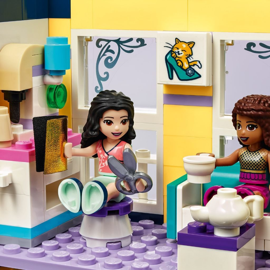 LEGO Friends 41427 Emmas Fashion Shop 12 1024x1024