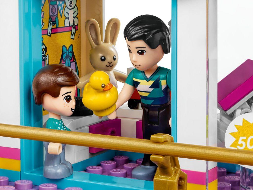 LEGO Friends 41450 Heartlake City Shopping Mall 4