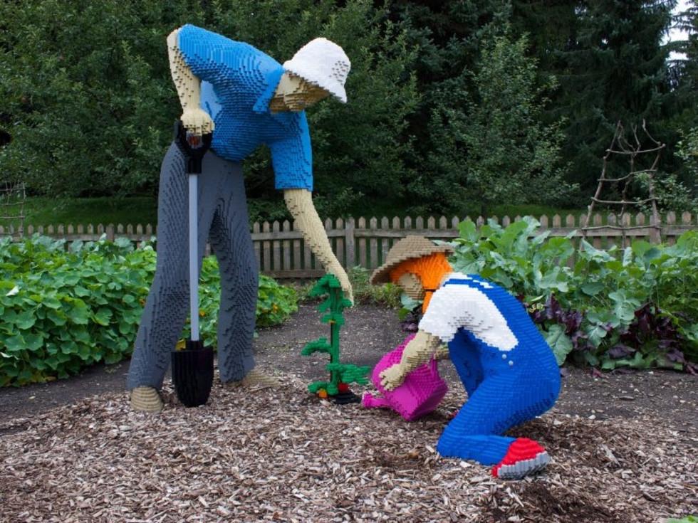 LEGO Gardening