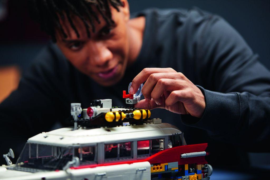 LEGO Ghostbusters 10274 ECTO 1 25