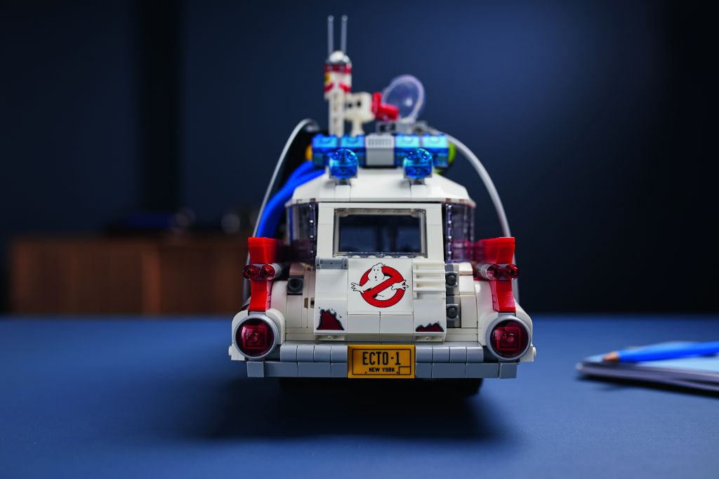 LEGO Ghostbusters 10274 ECTO 1 31