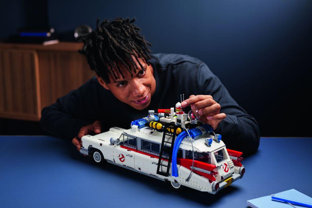 LEGO Ghostbusters 10274 ECTO 1 32