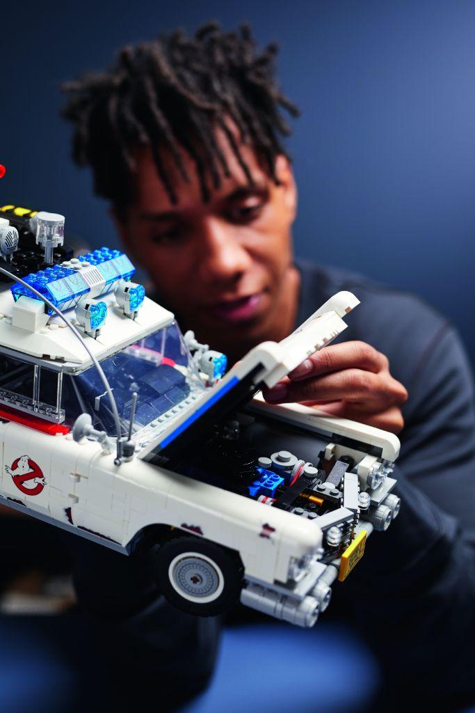 LEGO Ghostbusters 10274 ECTO 1 34