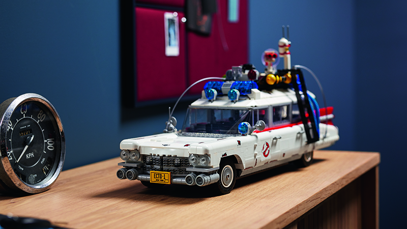 LEGO Ghostbusters 10274 ECTO 1 Featured 1