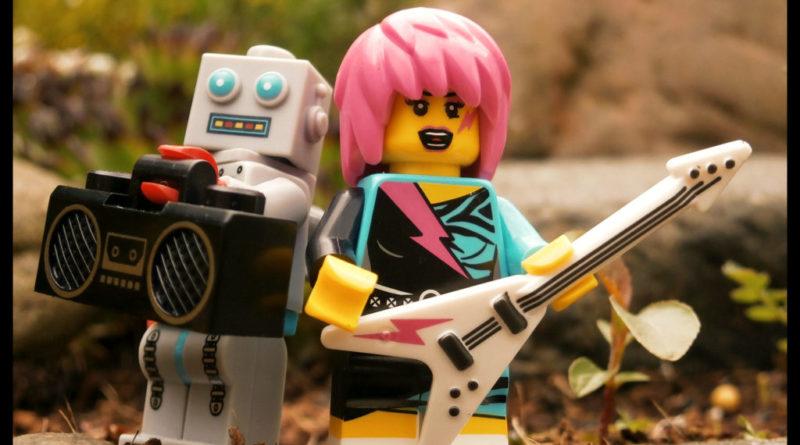 LEGO Guitar Robot 800x445