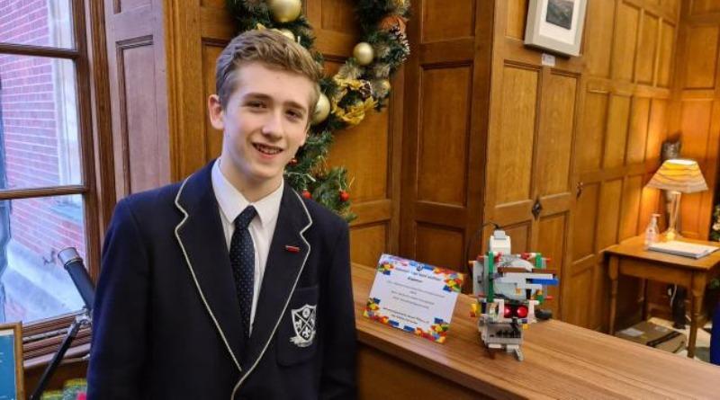 LEGO Hand Sanitiser Robot Featured