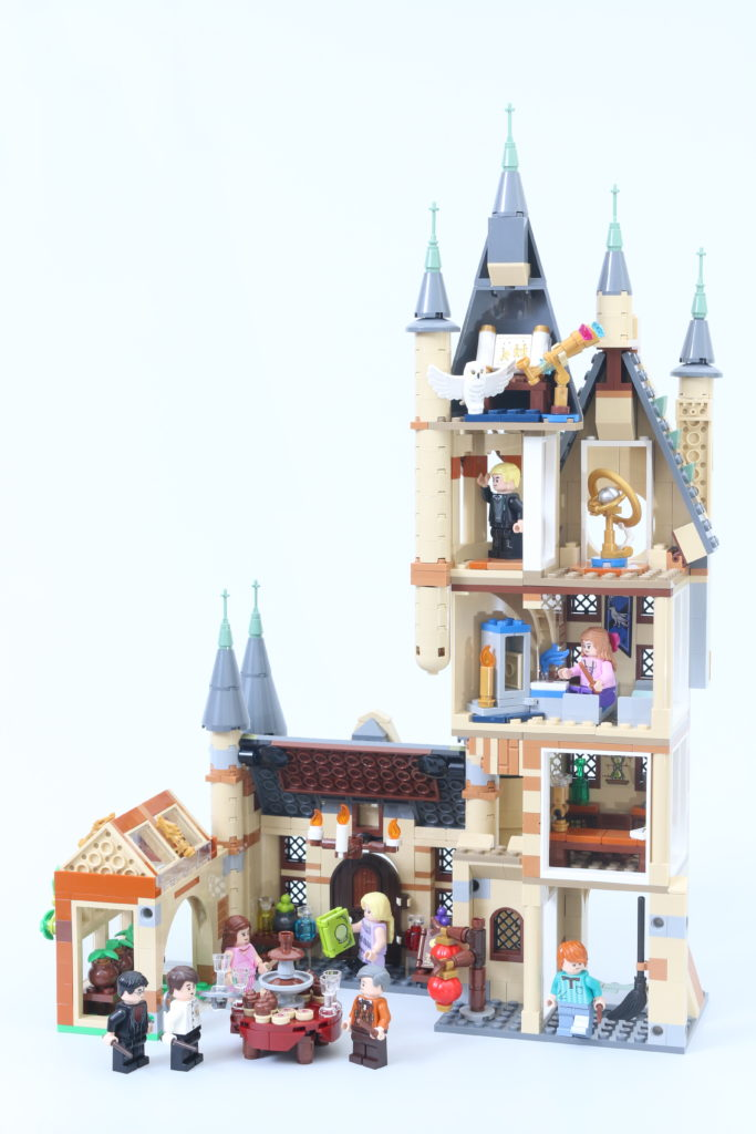 LEGO Harry Potter 75969 Hogwarts Astronomy Tower Review 25